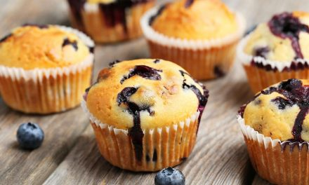 Almás-áfonyás muffin