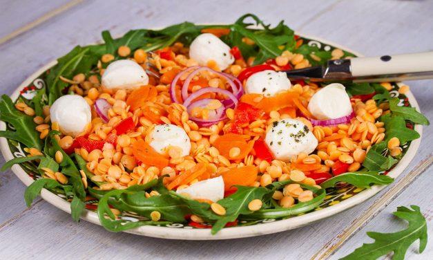 Vöröslencse saláta mozzarellával